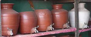 Terracooler, natural food cooling with terracotta and water